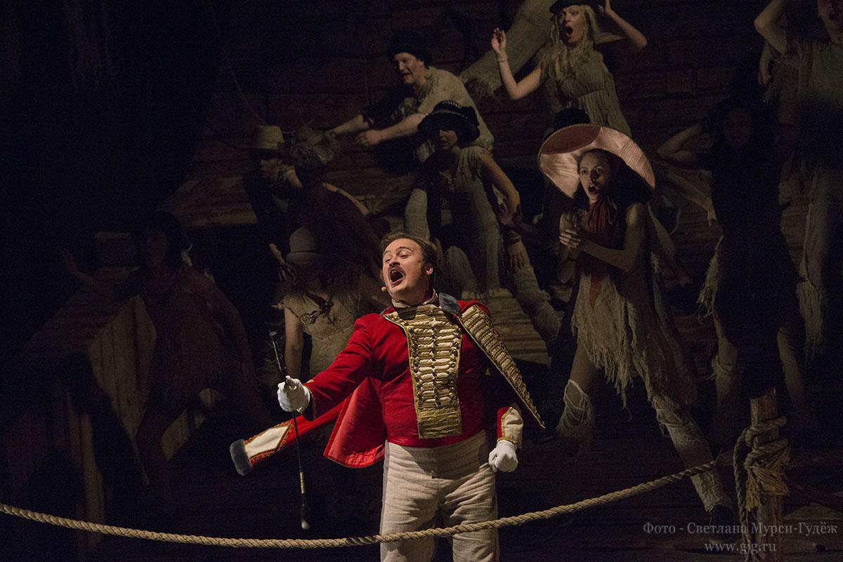 2015 г. Легендарная История лошади Марка Розовского в театре У Никитских ворот. Фото — Светлана Мурси-Гудёж